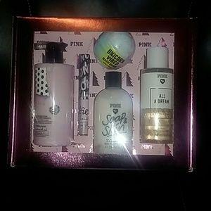 Victoria's Secret Pink beauty box